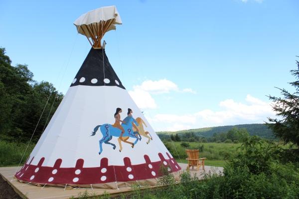 Mountain Horse Farm - Tipis